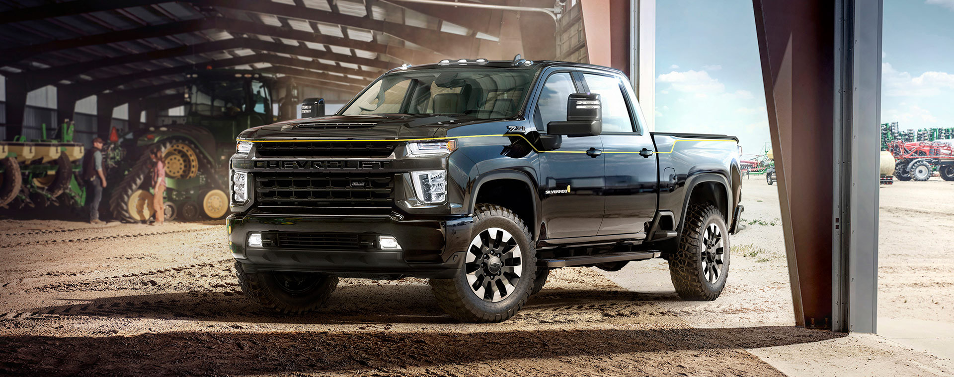 Chevrolet and Carhartt teamed up in a very hard-working truck: meet the 2021 Silverado HD.