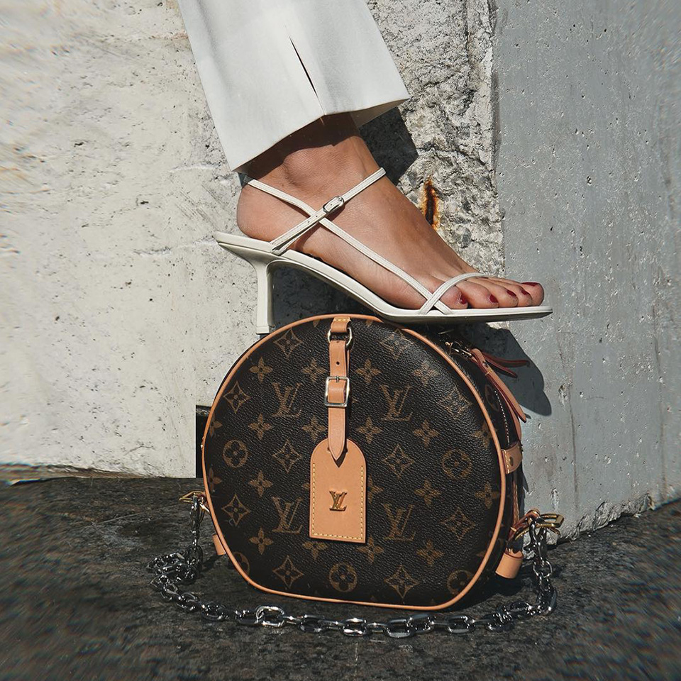 Feels better to step up when u do it from a LV bag, amirite?