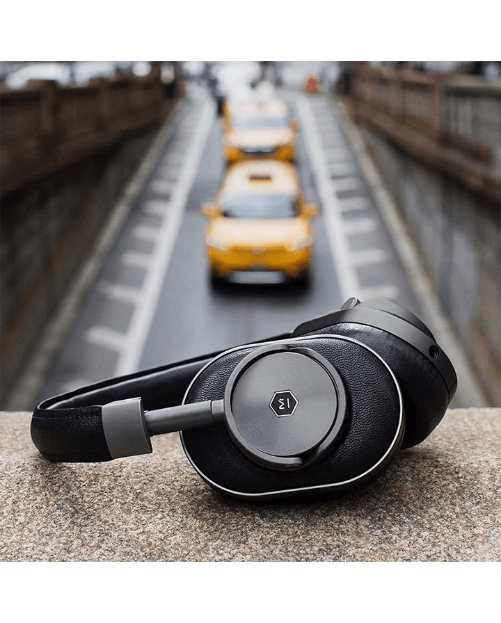 AirPods maniacs please leave the room: it's time for these wireless over-ear headphones.