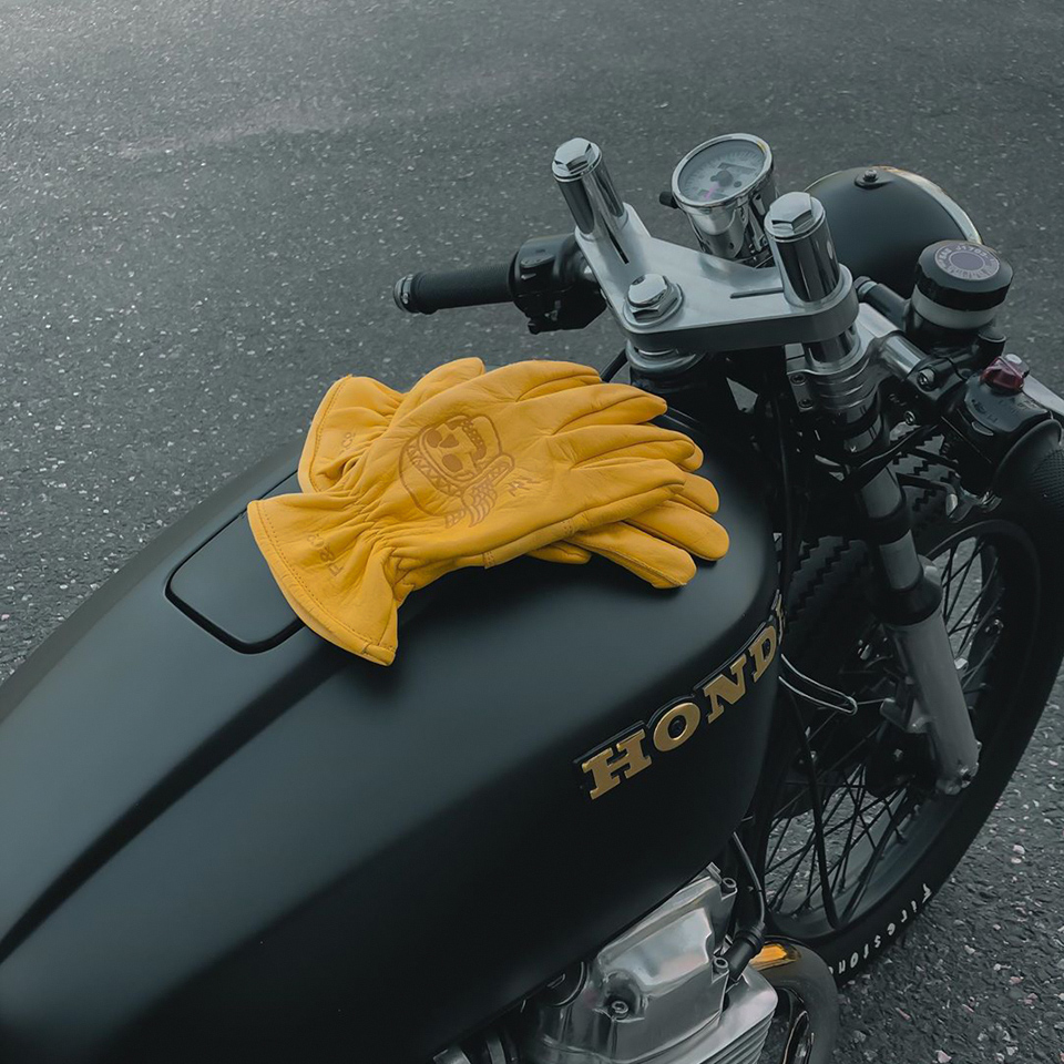 Warmer rides with P&Co's Godspeed leather gloves that age & improve along your way.
