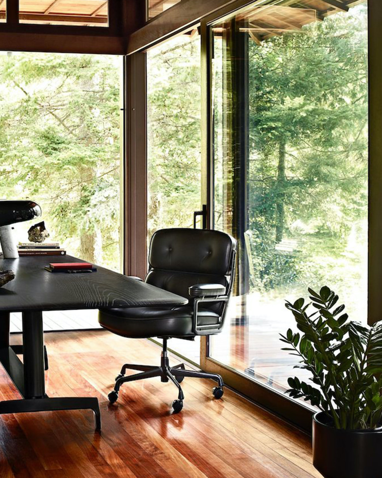 You may never want to return to the office if you cop this Time-Life Eames Leather Chair for your work-from-home days