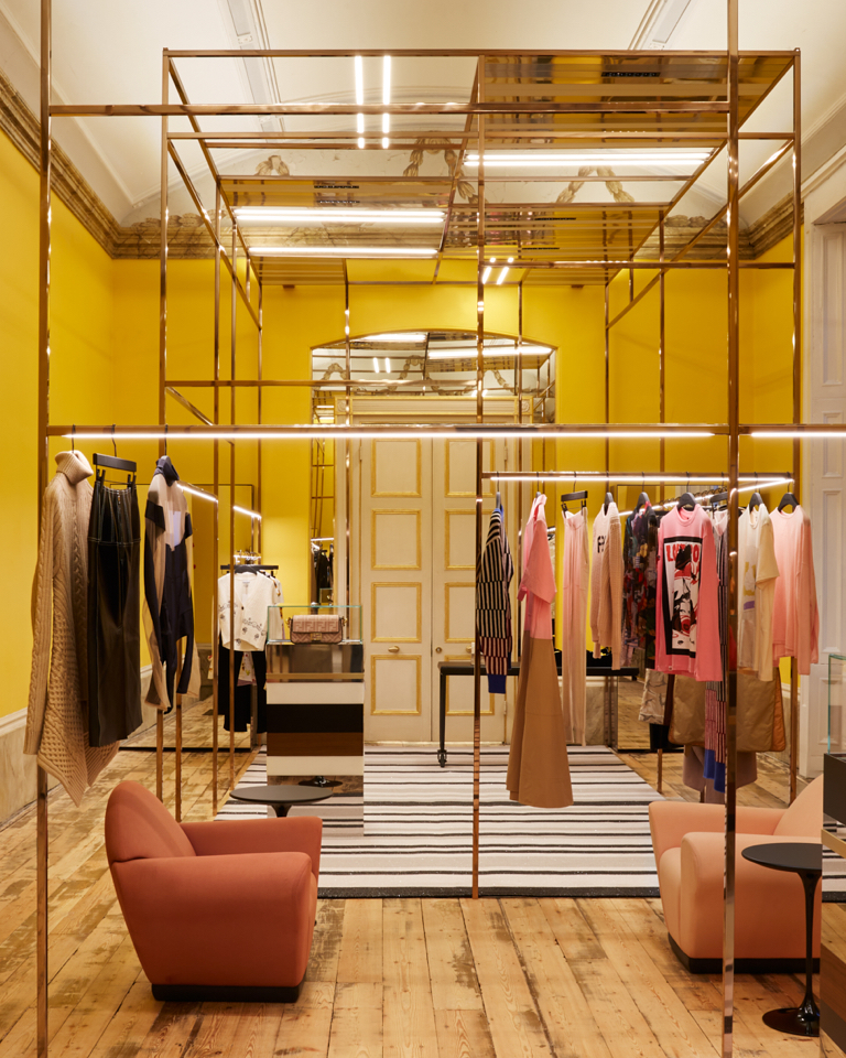 How customers want to consume timeless designs in the future and Farfetch high-tech-conscious response with its new platform.