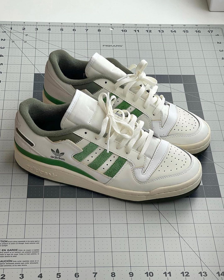 The Adidas Forum 84 Low Shoes and the strap case.