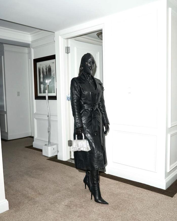 metcha Kim Kardashian Donda inner 1 - IMAGE