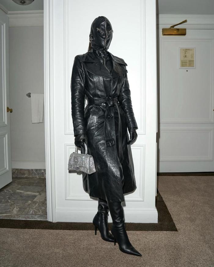 metcha Kim Kardashian Donda inner 2 - IMAGE