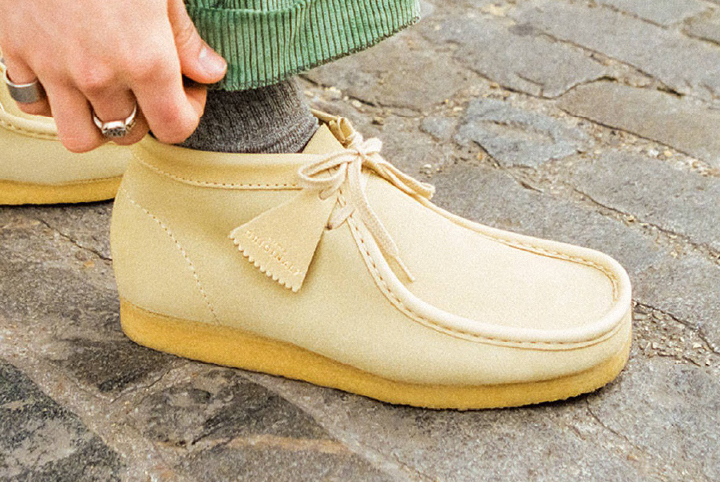 METCHA - Clarks' suede craftsmanship - Clarks' Wallabee boot made of suede.